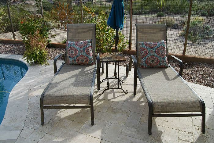 2 CHAISE LOUNGES