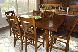 Casual Dining Set with 6 Chairs.  Contemporary Area Rug