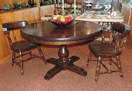 SOLID WOOD PEDESTAL DINING TABLE WITH LEAF AND PAD, 4 WOODEN CAPTAIN CHAIRS