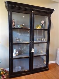 Gorgeous Locking Display Cabinet with Key