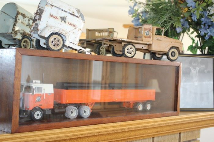 Vintage Tonka Farms Truck and Horse Trailer