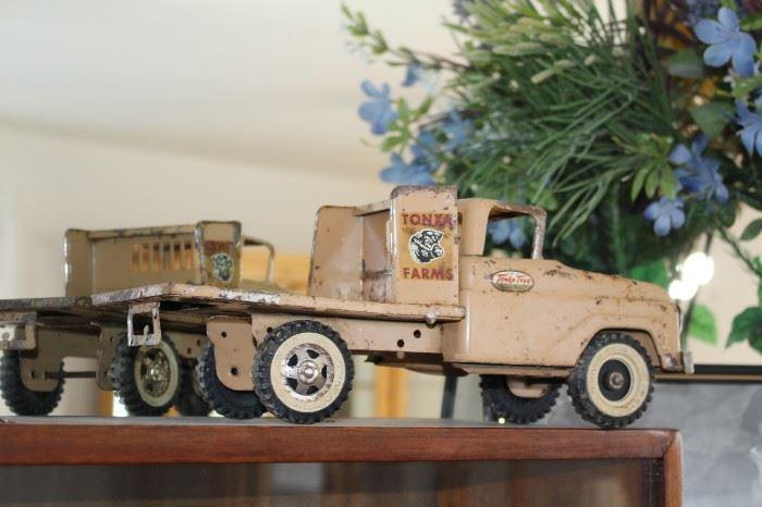 Vintage Tonka Farms Truck