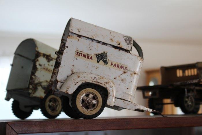 Vintage Tonka Farms Horse Trailer