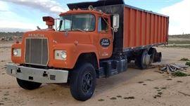 #3: 1977 Mack Truck with 20' Bed with Divider Door 1977 Mack Truck Ca Lic. 3Z73681 VIN: R686SST16039 with 20' Bed with Divider Door