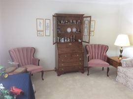 Beautiful  bookcase and desk.
