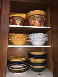 Kitchen ware & serving pieces