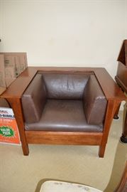 Stickley Cube Chair (front view)