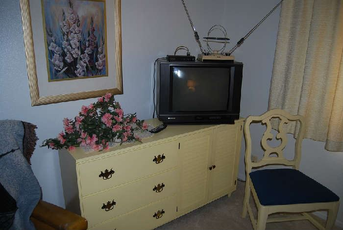 DRESSER IS SOLD.  TELEVISION, FRAMED PRINT, CHAIR (1 OF 4 THAT COORDINATE WITH DINING SET) ARE ALL AVAILABLE FOR FRIDAY PURCHASE