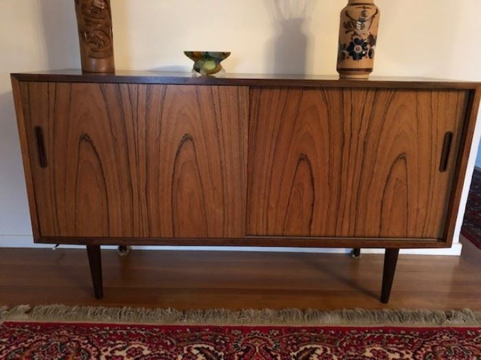 Great Mid-Century Modern Cabinet with sliding doors - Excellent condition - Maker Poul Hundevad