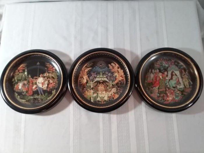 Bradford Exchange Decorative Plates