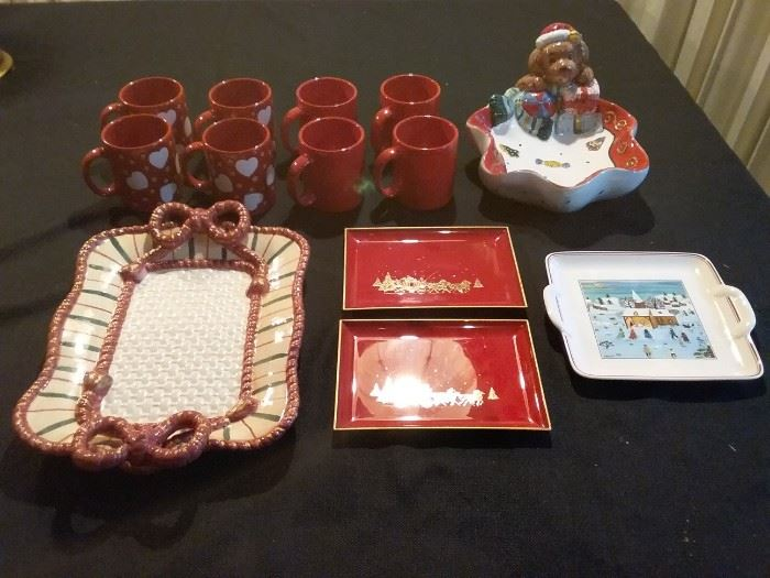 Christmas Serving Trays and Mugs