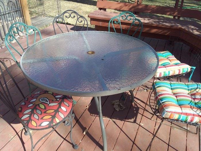 Circular Patio Table