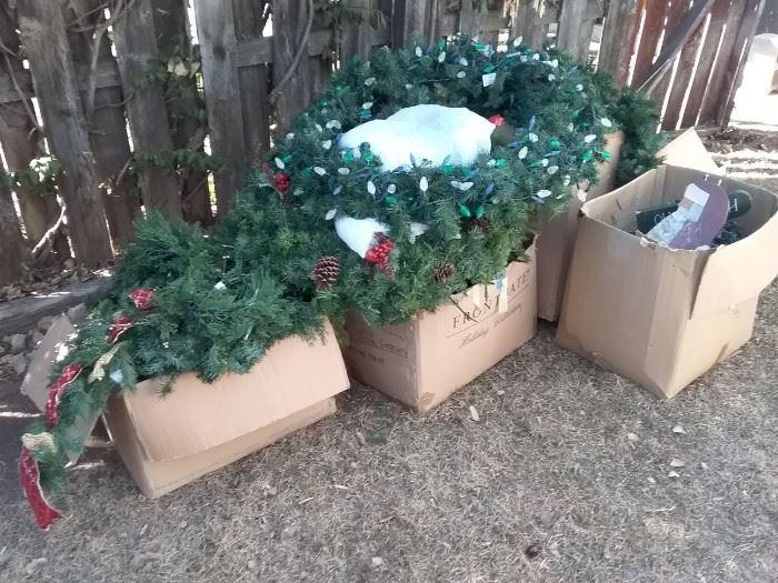 Outdoor Lighting Wreaths and Garland