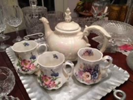 Teapot and cups, glassware.