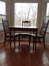 Kitchen Table with 4 chairs.