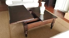 Coffee Table with lift for working or snacking