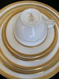 Royal Doulton, Royal Gold