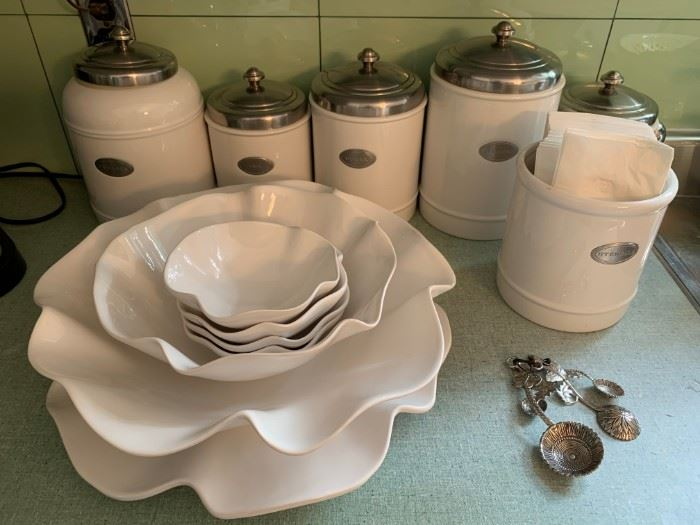 Crate and Barrel Kitchen