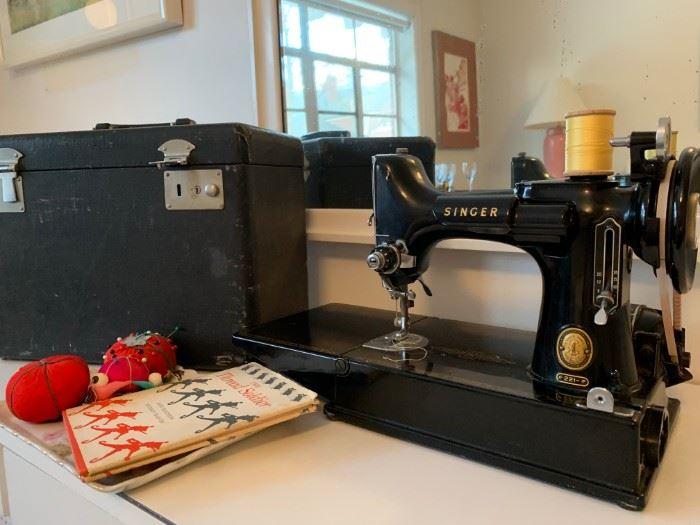 Signer Featherweight Sewing Machine