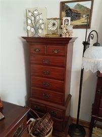 Pennsylvania Housed lingerie chest in cherry. Floor lamp