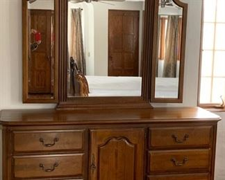 "33. Kincaid Belle Maison Chest 72"" x 20"" x 35"") w/ Beveled Trifold Mirror (53"")"
