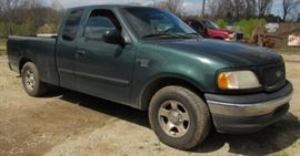 2001 Ford F-150 XLT Pickup Truck - Triton V8 Engine