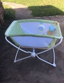 Baby Infant bassinet like new