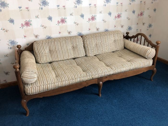 * This is a Awesome Mid Century Modern Sofa/Couch