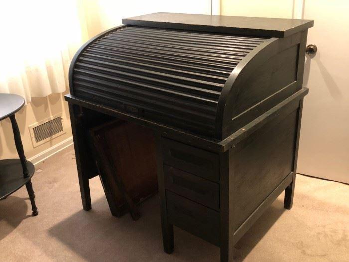 Beautiful Antique Roll Top Desk, Original Stain
