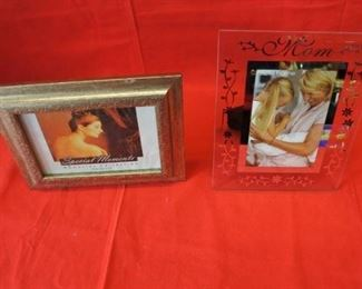 2 Photo Frames Mom and Silver Tented Frame
