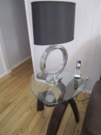PAIR OF MATCHING END TABLES AND MATCHING LAMP