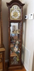 Display cabinet with Clock