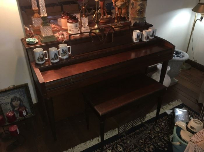 Cable-Nelson Spinet Piano w/Bench