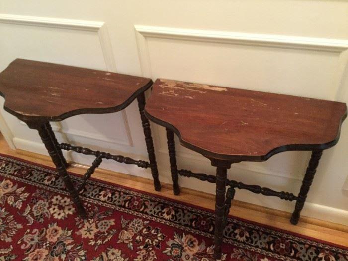 Vintage Side Tables https://ctbids.com/#!/description/share/116798