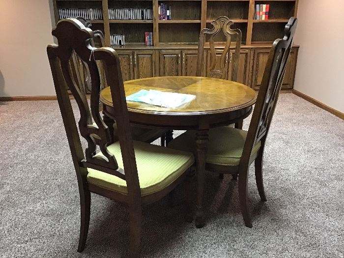 Nice game table, 4 padded chairs