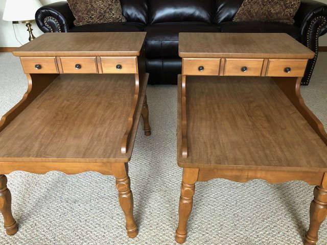 End tables with drawers for storage, set of (2). Excellent condition.