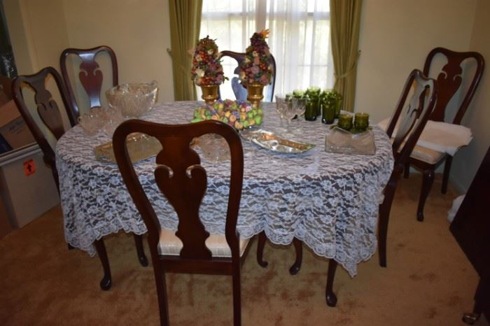 Beautiful Dining Table with 6 Matching Chairs and large Leaf also shown: Table Cloth, Crystal and More!