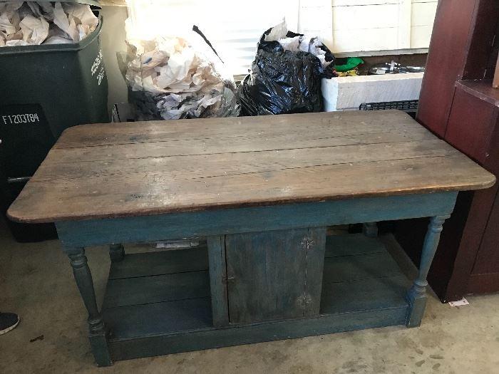 Great antique/primitive table