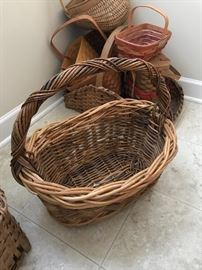 Great large basket.  ready for Easter