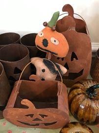 Metal pumpkin baskets