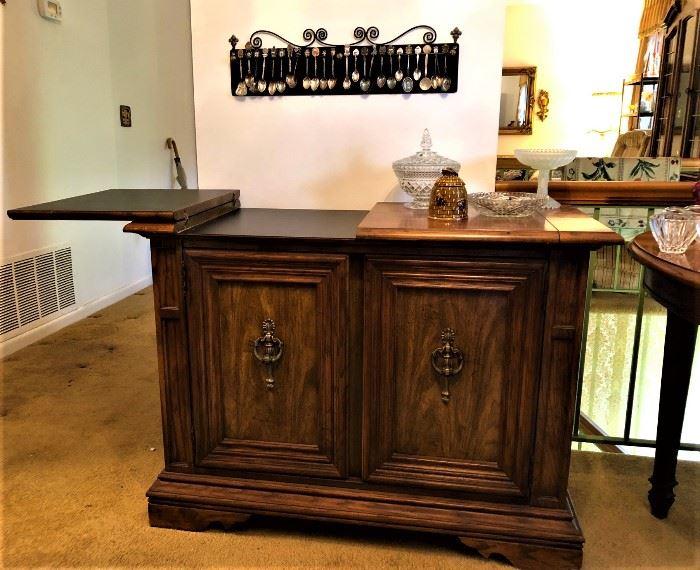 console / bar cabinet