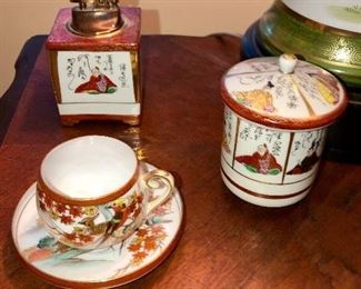 Imari China tea cup and tea caddies (very high quality)
