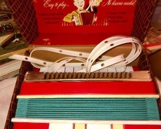 Child's Howdy Doody accordion