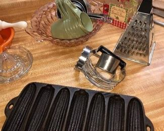 Cast iron corn stick griddle