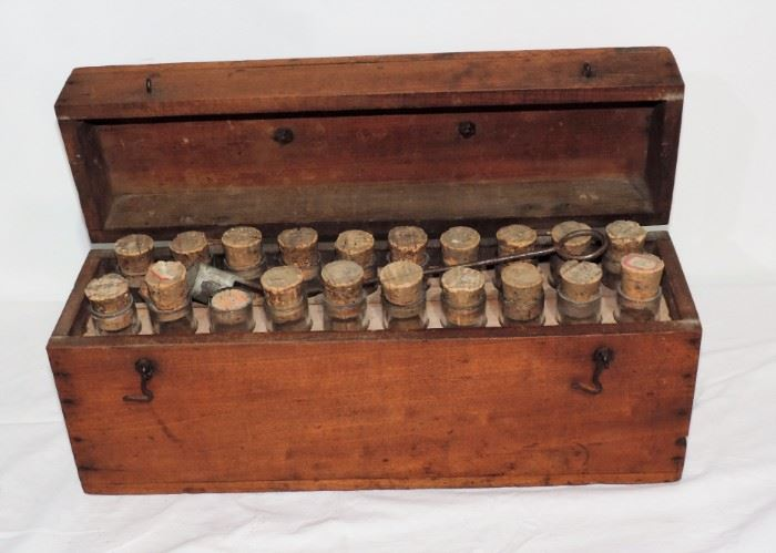 EARLY MEDICAL TUBE BOX WITH GLASS TUBES