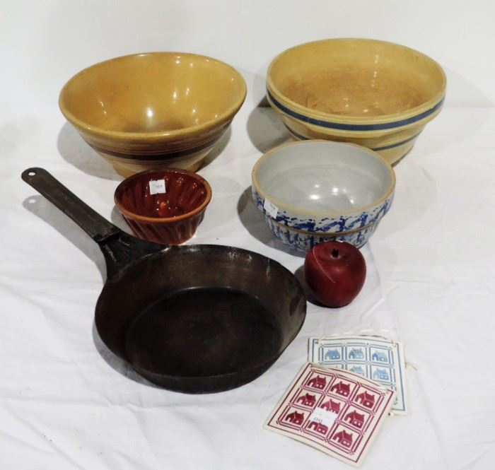 LOT OF ANTIQUE MIXING BOWLS AND PAN
