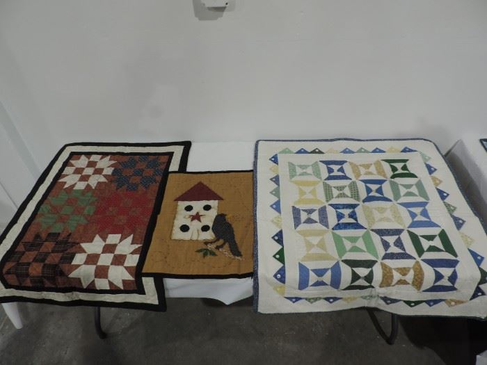 CONTEMPORARY QUILT WALL HANGINGS