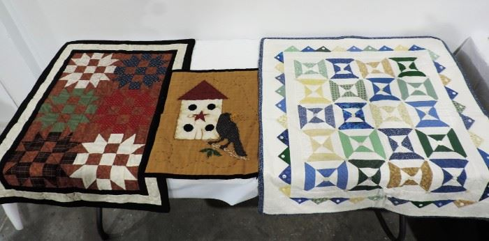 QUILT WALL HANGING LOT