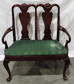 MAHOGANY QUEEN ANN STYLE SETTEE