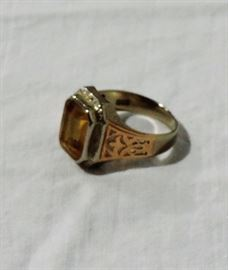 10 K WHITE AND ROSE GOLD RING